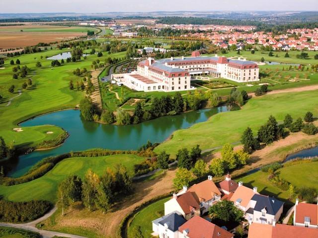 Hotel-Radisson-Blu-Disney-Vue-aerienne