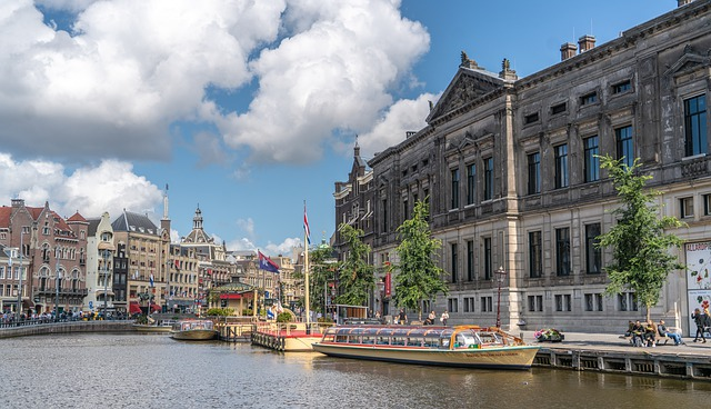 amsterdam-4476599_640