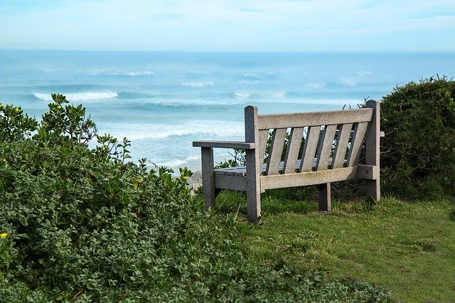 bench-2354745_640