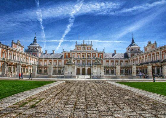 palace-611897_640