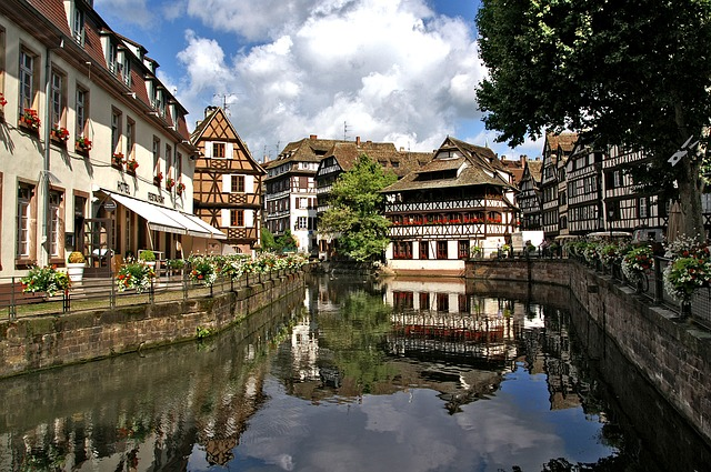 strasbourg-1354438_640
