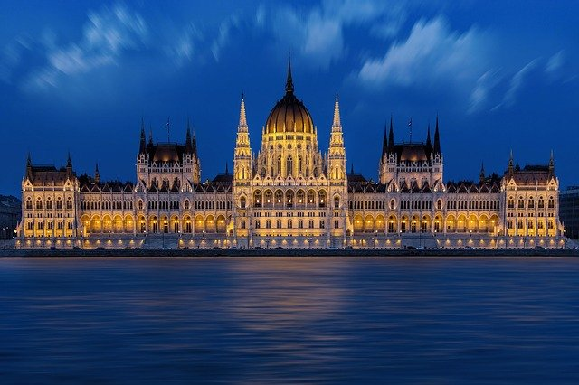 budapest-1440679_640