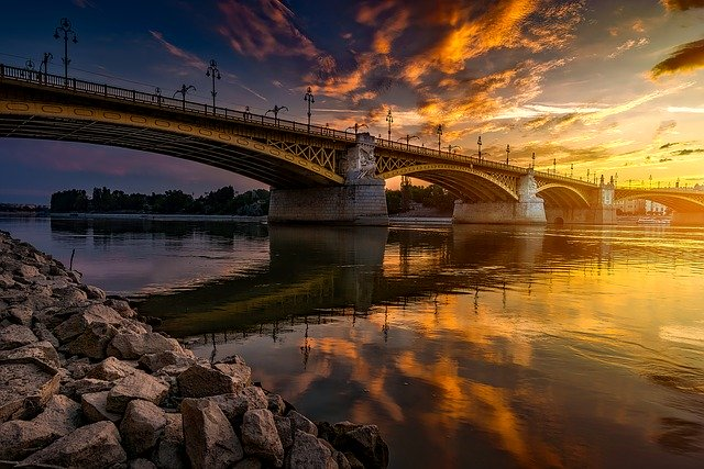 budapest-1801725_640