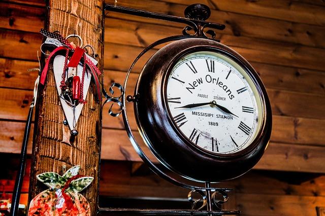 clock-2590668_640