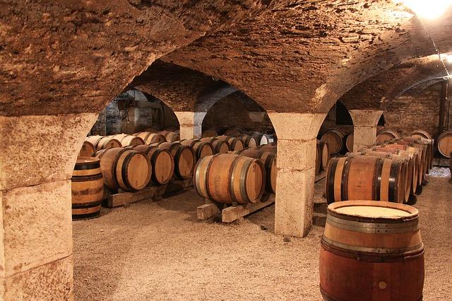 burgundy-1122165_640