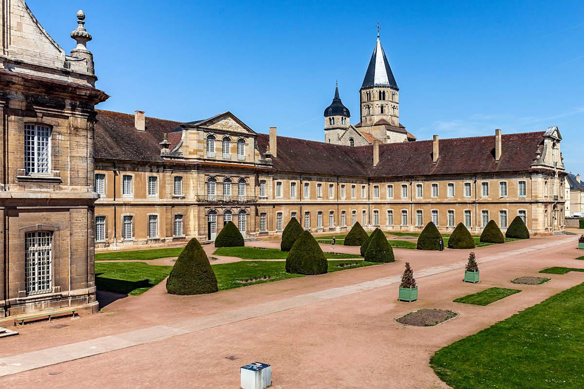 exterior-abadia-cluny