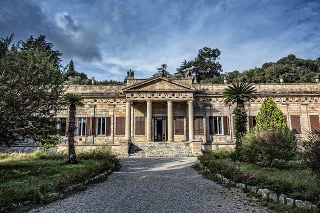 home-napoleon-3845379_640