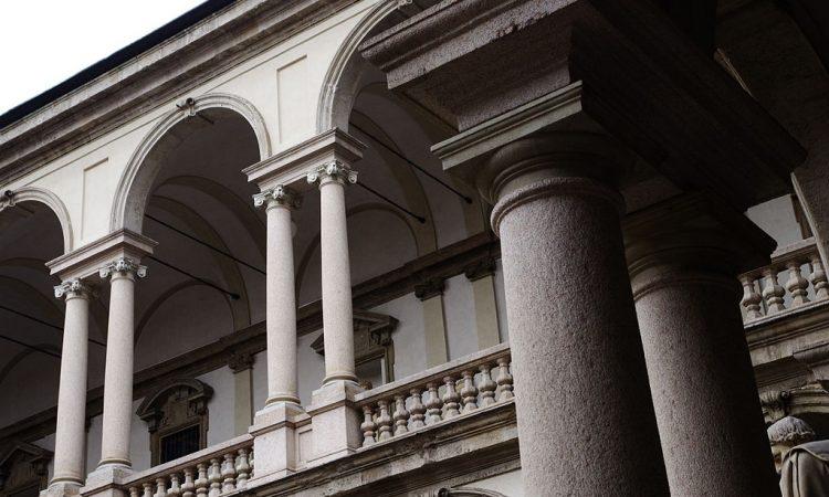 2014_02_13_14_09_50_Milano_ITALY_Pinacoteca_di_Brera_loggia_e_colonnato_del_cortile_Courtyard_photo_Paolo_Villa_FOTO3968