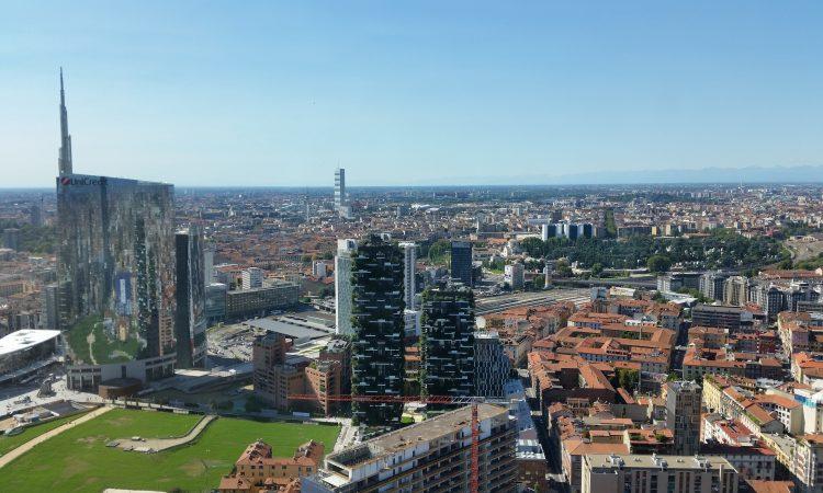 Milano_-_panorama_ovest_da_Palazzo_Lombardia,_Italy_2015