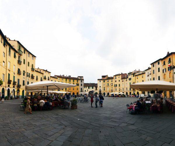 Piazza del Mercato - Lucques