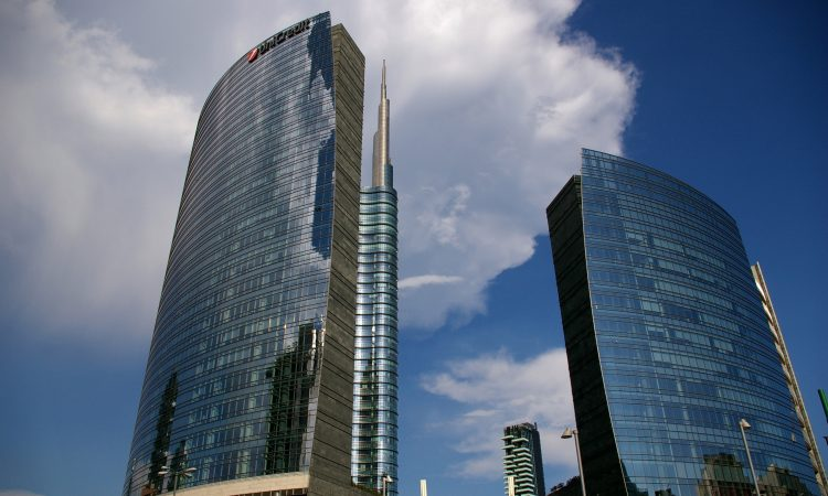 Torre_Unicredit_in_Milan,_Italy_2015_(3)